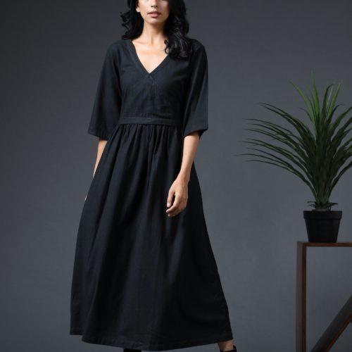 Bella dress black Front