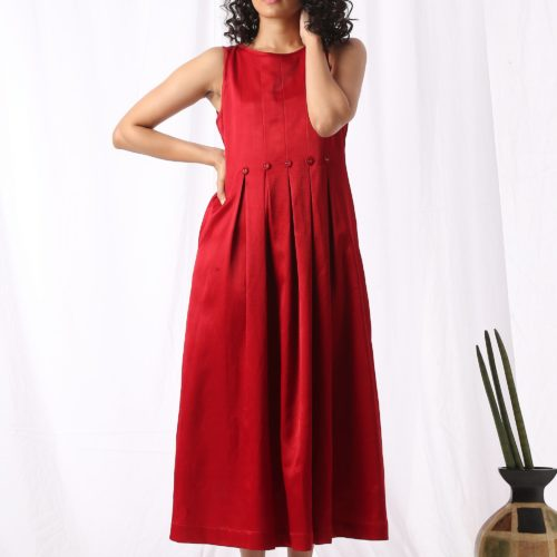 Boat neck pleated dress Red Front 2