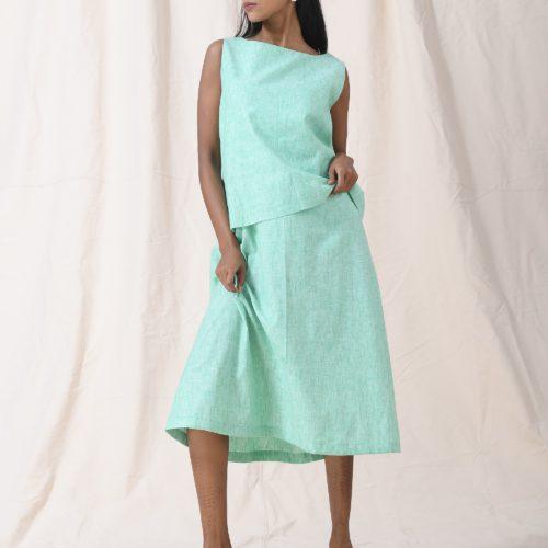 Flap yoke sleeveless dress Front