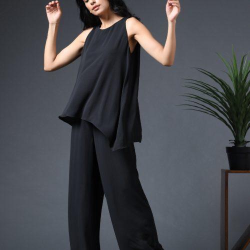 Sleeveless layered jumpsuit Front