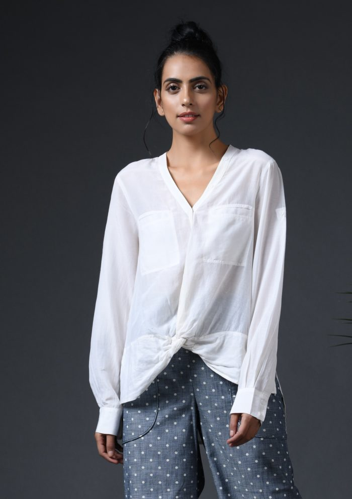 Twist knot top white Front scaled